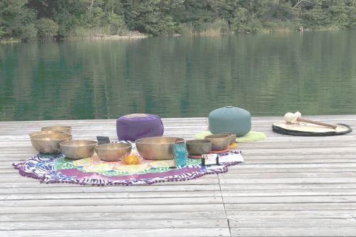 Meditazione con campane tibetane
